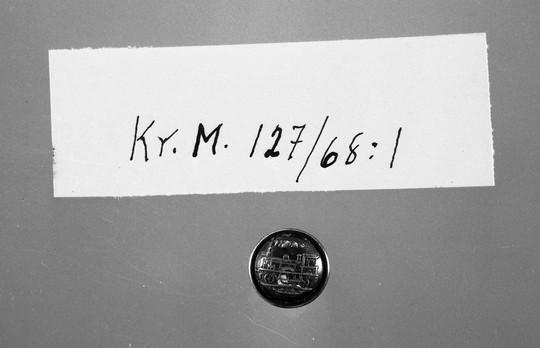 KrM127Y68_1.jpg