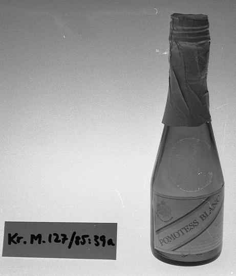 KrM127Y85_39a.jpg