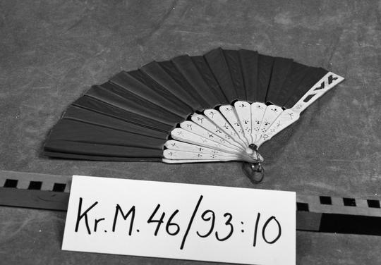 KrM46Y93_10.jpg