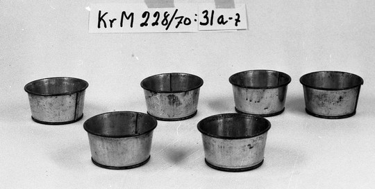 KrM228Y70_31a-f.jpg
