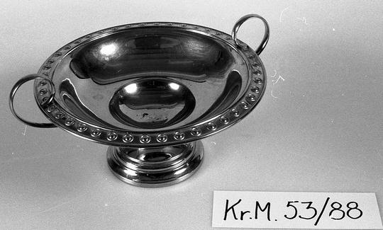 KrM53Y88.jpg