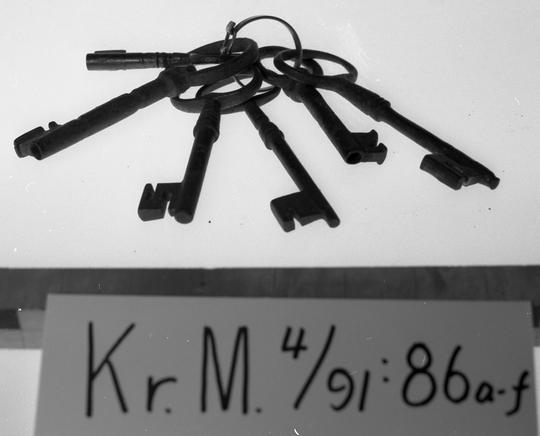 KrM4Y91_86a-f.jpg