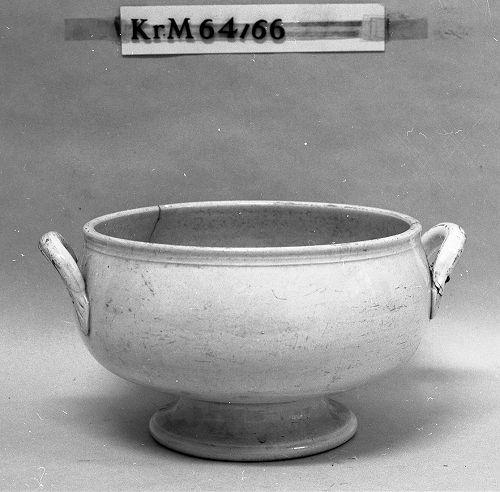 KrM64Y66.jpg