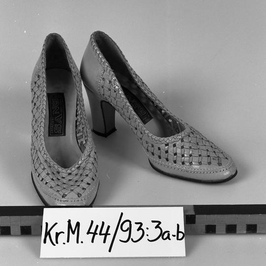 KrM44Y93_3a-b.jpg