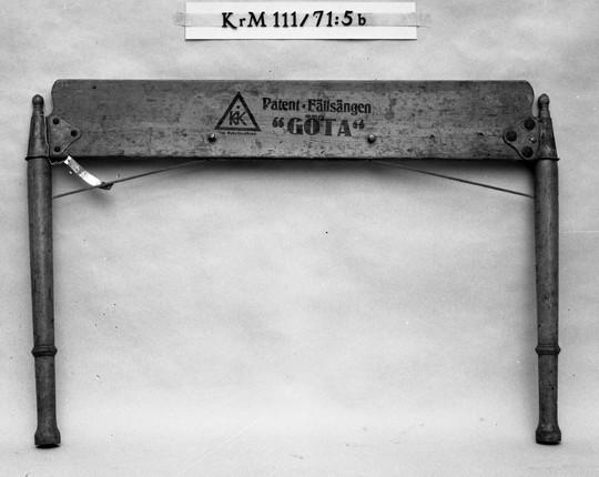 KrM111Y71_5b.jpg