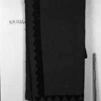 KrM122Y63.jpg