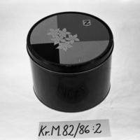 KrM82Y86_2__A.jpg