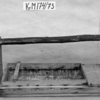 KrM174Y73.jpg