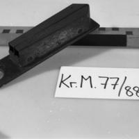 KrM77Y88_13a-c.jpg