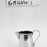 KrM160Y72_3.jpg