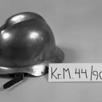 KrM44Y90_3.jpg