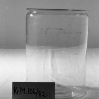 KrM106Y82_1.jpg