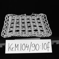 KrM104Y90_10f.jpg