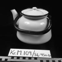 KrM109Y86_45a-b.jpg