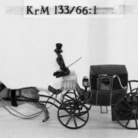 KrM133Y66_1.jpg