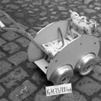 KrM73Y88_1a-b.jpg
