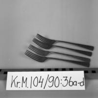 KrM104Y90_36a-d.jpg