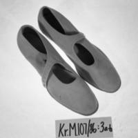 KrM107Y86_3a-b.jpg