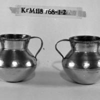 KrM118Y68_1-2.jpg