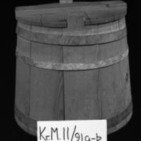 KrM11Y91a-b.jpg