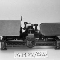 KrM72Y88_1a-b.jpg